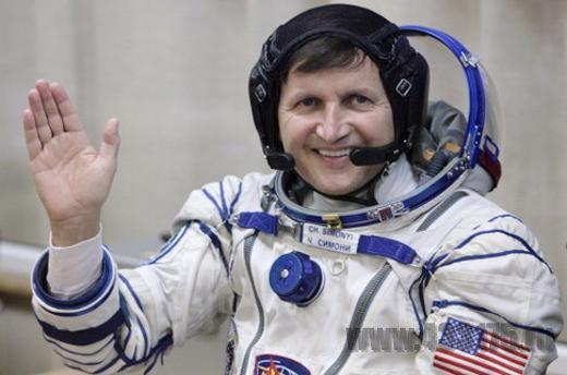 Чарльз Симони - Астронавт радиолюбитель